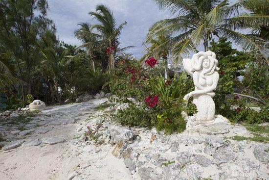 IFF Islands_Rum Cay Sculpture_Image_Bahamas.com