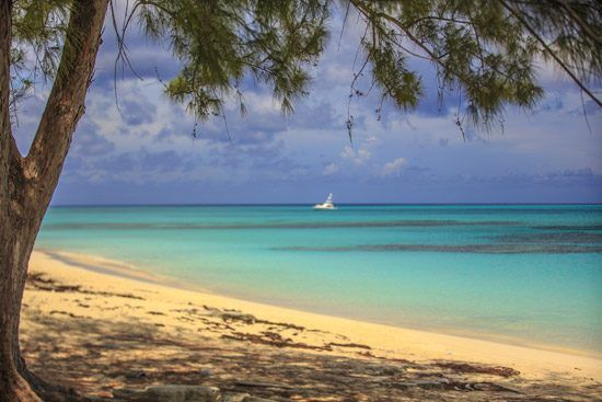 IFF Islands_San Salvador Beach and Ocean View_Image_Bahamas.com